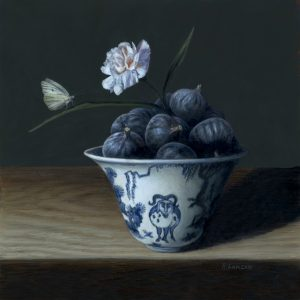 still life painting of Figs in Jiajing Porcelain, oil on copper by Rebecca Luncan